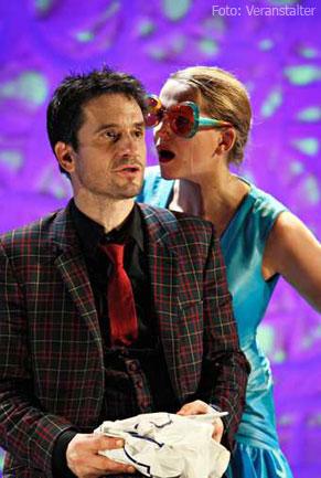 Tanja Wedhorn und Oliver Mommsen träumen als Helena und Bob in ...